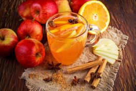 hot-mulled-apple-cider-cinnamon-cloves-anise-orange-81325742