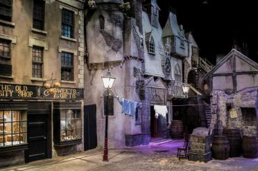 reconstruction-victorian-town-dickens-world-chatham-75832914